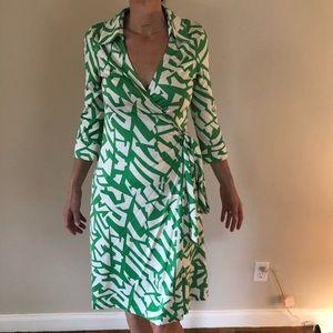 Diane Von Furstenberg DVF Vintage small wrap dress